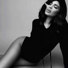 Kylie Jenner sexy Sasha Samsonova photo shoot 4x HQ photos