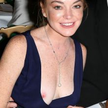 Lindsay Lohan nip slip at birthday party in Cala di Volpe à Porto-Cervo 5x UHQ photos
