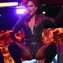 Jennifer Lopez crotch and cleavage at Mega 97.9 Megaton Concert in NYC 12x HQ