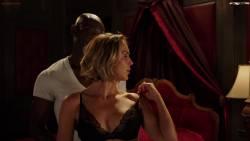 Arielle Kebbel, Parisa Fitz-Henley - Midnight Texas S02 E01 1080p