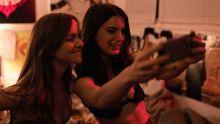 Britt Robertson, Dylan Gelula, Tara Lynne Barr - Casual S02 E06 720p lingerie lesbian sex scenes