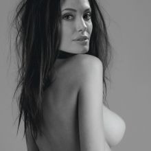Angelina Jolie nude young naked photo shoot 3x UHQ