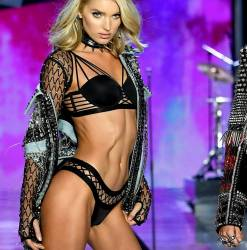 Elsa Hosk sexy see through lingerie cameltoe 2017 Victoria's Secret Fashion Show 49x MixQ photos