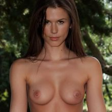 Rhona Mitra nude photo UHQ