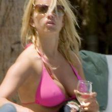 Jessica Simpson sexy bikini candids 21x UHQ