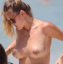 Kendal Lee Schuler topless candids on the Bondi beach 71x UHQ photos