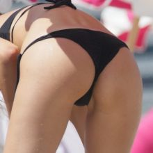 Aida Yespica sexy bikini candids on the beach in Miami 70x HQ photos