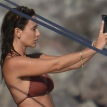 Natalie Imbruglia sexy bikini candids on the yacht in Sicily 30x HQ
