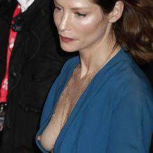 Sienna Guillory nip slip boobs slip photo UHQ