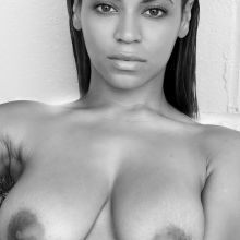 Beyonce Knowles topless HQ photo