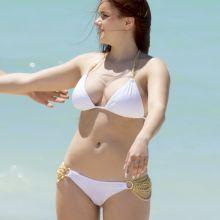 Ariel Winter wearing sexy bikini on the beach in Bahamas 95x UHQ
