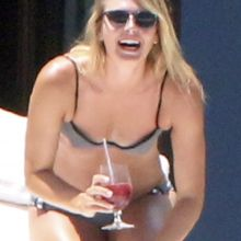 Maria Sharapova wearing sexy bikini on vacation in Cabo 64x HQ