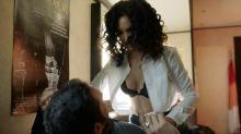 Jessica Sula - Lucifer S02 E01 1080p lingerie scene