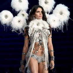 Sara Sampaio sexy see through lingerie cameltoe 2017 Victoria's Secret Fashion Show 19x MixQ photos