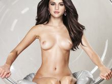 Selena Gomez nude Vogue magazine cover photo shoot UHQ