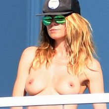 Heidi Klum topless on balcony in Miami 100x HQ photos