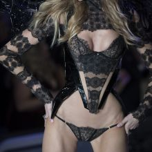 Martha Hunt sexy lingerie 2016 Victoria's Secret Fashion Show 28x UHQ photos