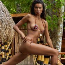 Kelly Gale - Sports Illustrated Swimsuit 2017 topless bare ass tiny bikini big boobs 29x HQ photos
