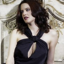 Michelle Ryan sexy cleavage photo shoot 7x UHQ photos
