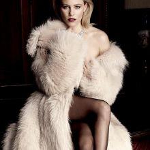 Elizabeth Banks sexy Vanity Fair photo shoot 4x HQ photos