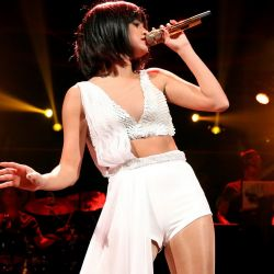 Selena Gomez sexy 106.1 KISS FM's Jingle Ball 16x UHQ