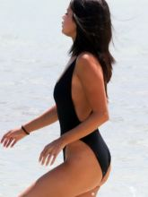 Selena Gomez sexy swimsuit candids on the beach in Miami 45x UHQ
