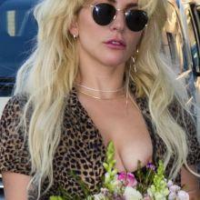 Lady Gaga nip slip boobs pop out at Berlin Schoenefeld airport 15x HQ photos