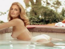 Nude Stana Katic from Castle bath in swimming pool UHQ photo