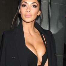 Nicole Scherzinger braless cleavage boobs trying to pop out - arriving back at her hotel 224x HQ photos