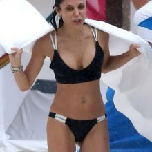 Bethenny Frankel boobs pop out nip slip sexy bikini candids on the beach in Playa del Carmen, Mexico 41x HQ photos