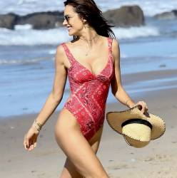 Alessandra Ambrosio sexy swimsuit candids on the beach in Malibu 41x HQ photos