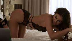 Serinda Swan, Valerie Azlynn, etc - Ballers S03 E04 1080p lingerie bikini webchat scenes