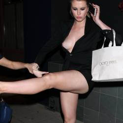 Ireland Baldwin drunk braless nip slip boobs pop out candids in West Hollywood 81x HQ photos