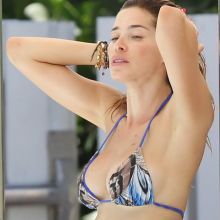 Aida Yespica sexy bikini candids on the beach in Miami 7x HQ photos