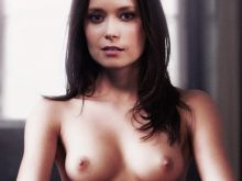 Summer Glau nude spread legs naked photo UHQ