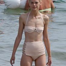 Jaime King sexy bikini candids on the beach in Maui 15x HQ photos