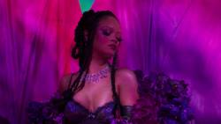 Bella Hadid, Cara Delevingne, Rihanna, Irina Shayk, etc - Savage X Fenty Show 1080p