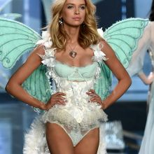 Stella Maxwell sexy lingerie 2014 Victoria's Secret Fashion Show 6x UHQ