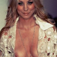 Kaley Cuoco oops nipslip on red carpet UHQ
