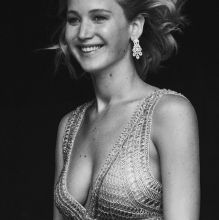 Jennifer Lawrence sexy Vanity Fair, Holiday 11x HQ photos