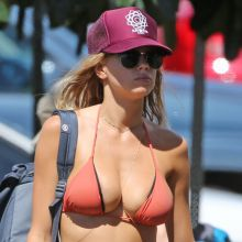 Charlotte Mckinney sexy bikini boobs trying to pop out candids on the beach in Hawaii 38x UHQ photos