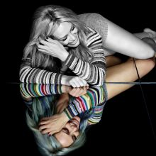 Hilary Duff leggy