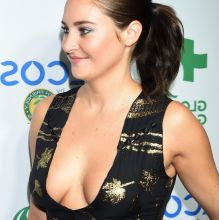 Shailene Woodley braless cleavage boobs trying to pop out on Global Green 20th Anniversary Awards in Los Angeles 26x UHQ photos