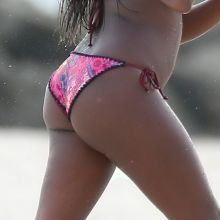 Naturi Naughton sexy bikini candids on the beach in Barbados 30x HQ photos