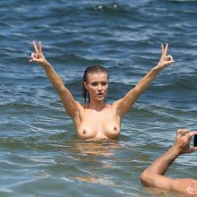 Joanna Krupa topless at the beach in Miami 41x UHQ