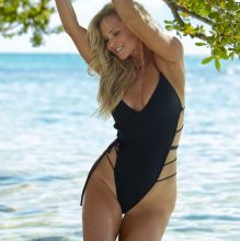 Christie Brinkley - Sports Illustrated Swimsuit 2017 bare ass tiny bikini 20x HQ photos