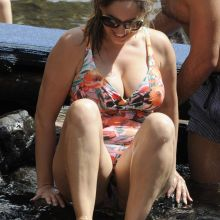 Kelly Brook big boobs and ass in tight swimsuit on the beach in Ischia 113x HQ photos