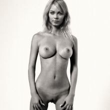 Laura Vandervoort nude Women's Health UK magazine 2014 September UHQ