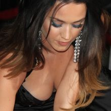 Katy Perry cleavage, upskirt on Jeremy Scott's The People's Designer Premiere 76x UHQ