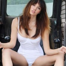 Sara Malakul Lane Sexy Photoshoot 17x HQ